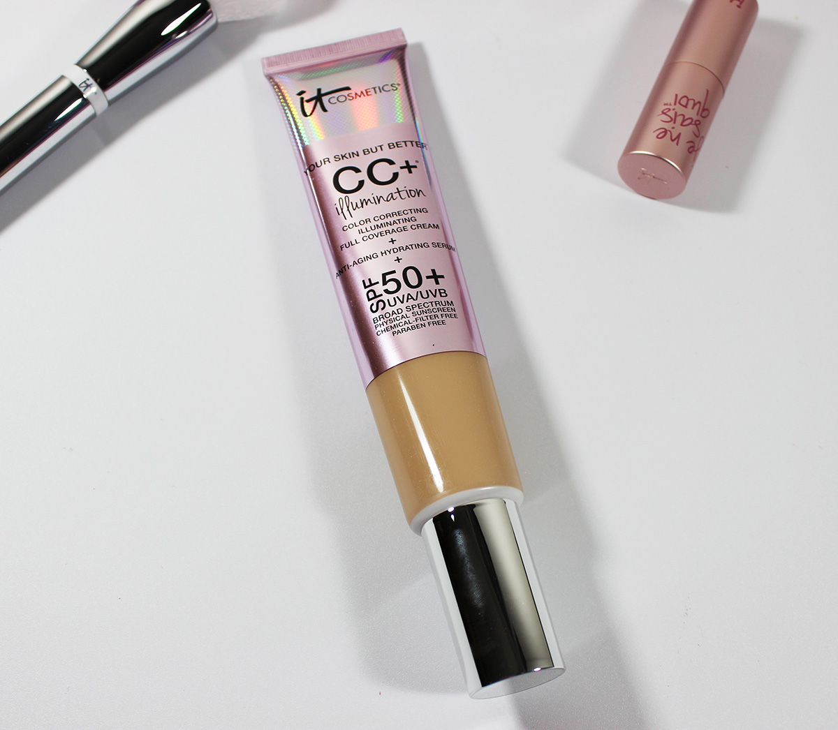 It Cosmetics CC+ Illumination Full Coverage Cream