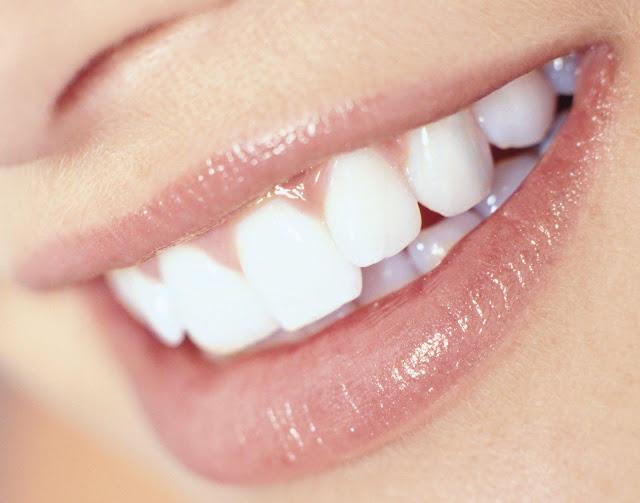 وصفات منزلية لتبيض الأسنان
