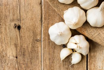 Benefits and Bed Effects of Eating Garlic