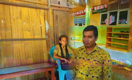 Potret Miris Dua Bocah Lampura Yang Sekolah Tanpa Peralatan