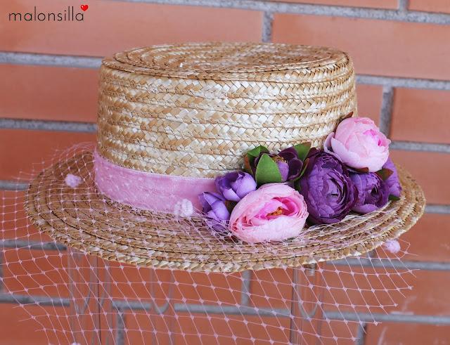 Vista del sombrero ideal para ir de boda
