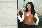 priyashri new sizzling stylish photos-thumbnail-5
