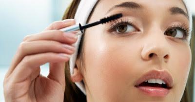 Penyebab Utama Make Up Tidak Bertahan Lama