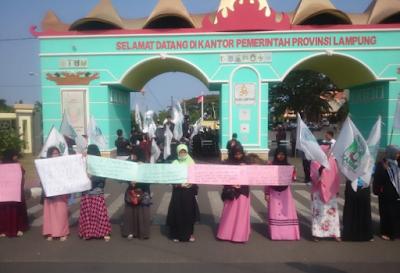 Pilkada Marak Money Politics, KAMMI Gelar Aksi di DPRD Lampung
