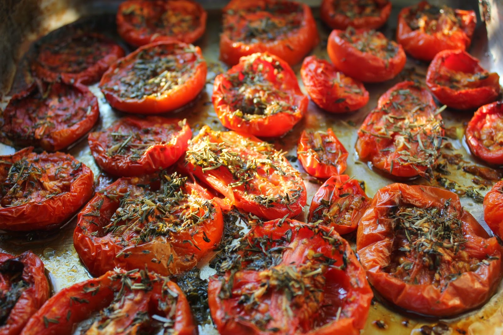 Home-made organic oven-dried tomatoes