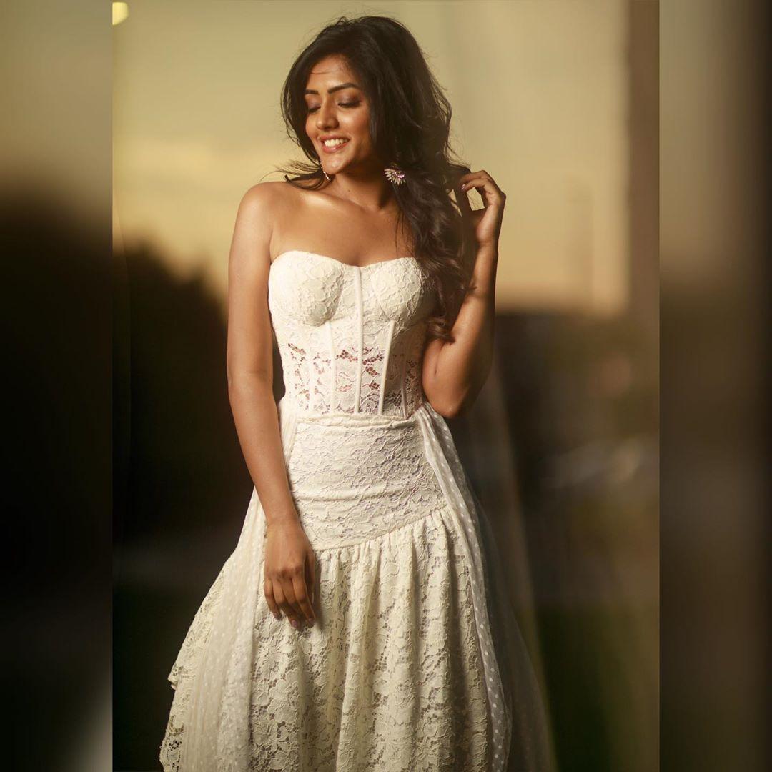 Actress Eesha Rebba New Hot Photoshoot Gallery