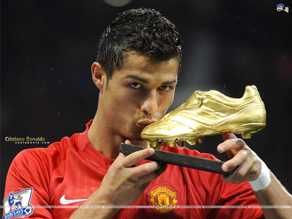 Cristiano Ronaldo Biography Life Since Children Up To Become The