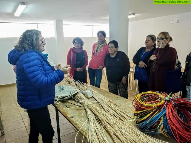 Comienza un nuevo curso de cestería de mimbre en Tijarafe
