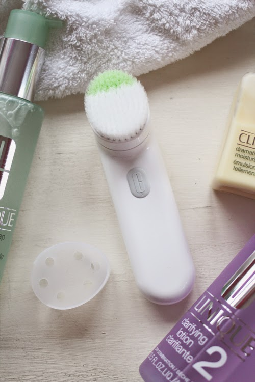 A blog review on Clinique's Sonic System Purifying Cleansing Brush
