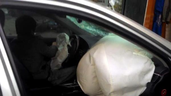 xe ô tô Camry đâm chết 3 người 2