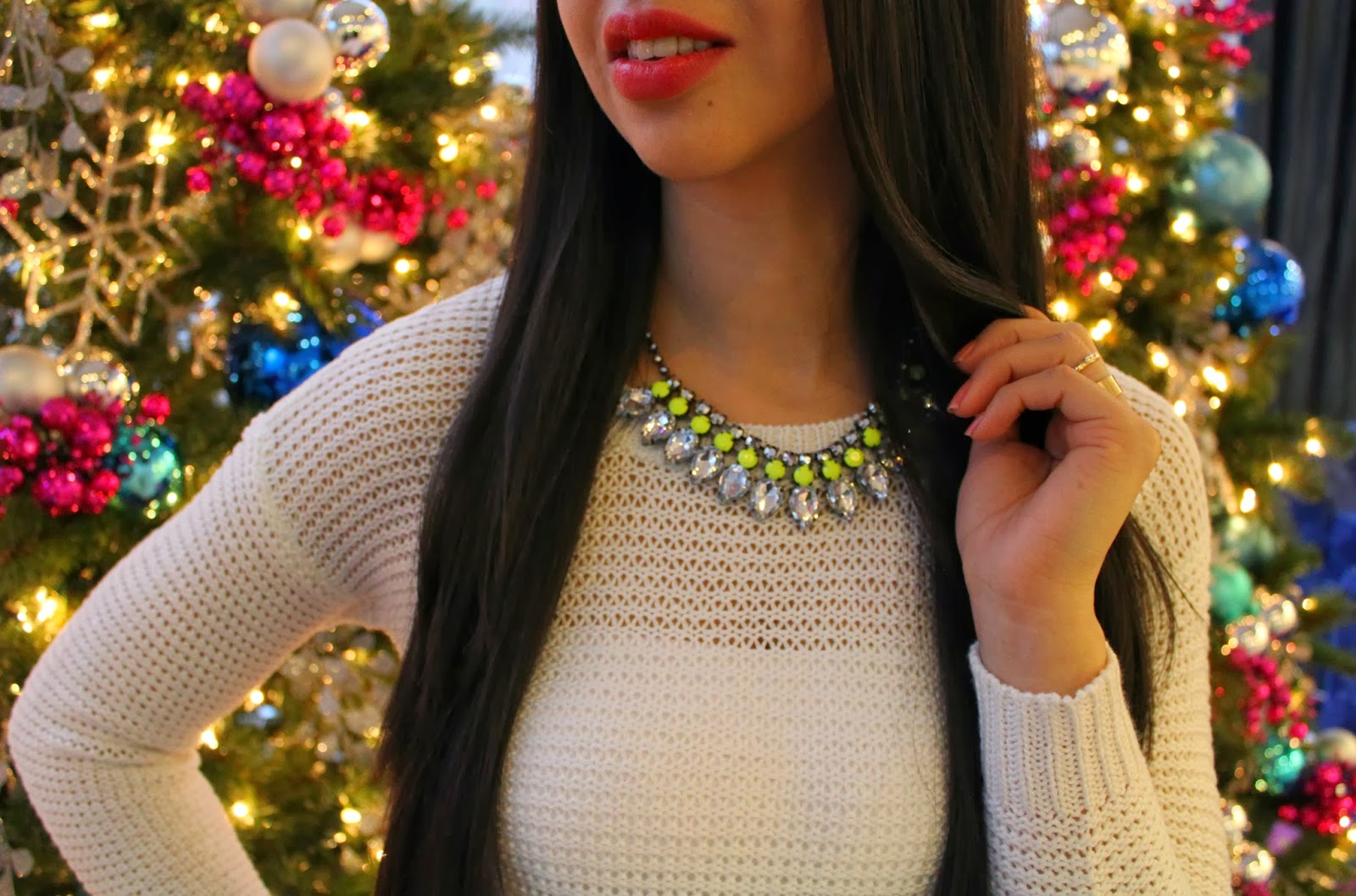 http://www.shemodish.com/2013/12/holiday-sparkle.html