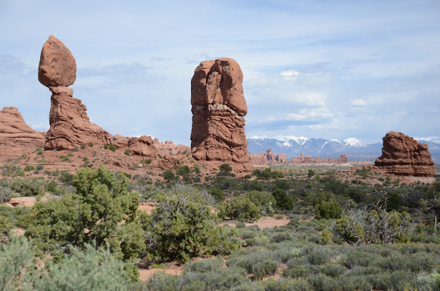 Balanced Rock - Arches National Park, Utah, USA
