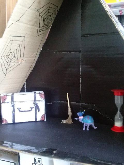 Handmade cardboard house DIY / zabawka domek z kartonu