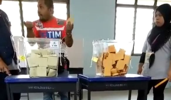 pengundi pru14 mengamuk