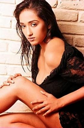 Nude Jiah Khan 30