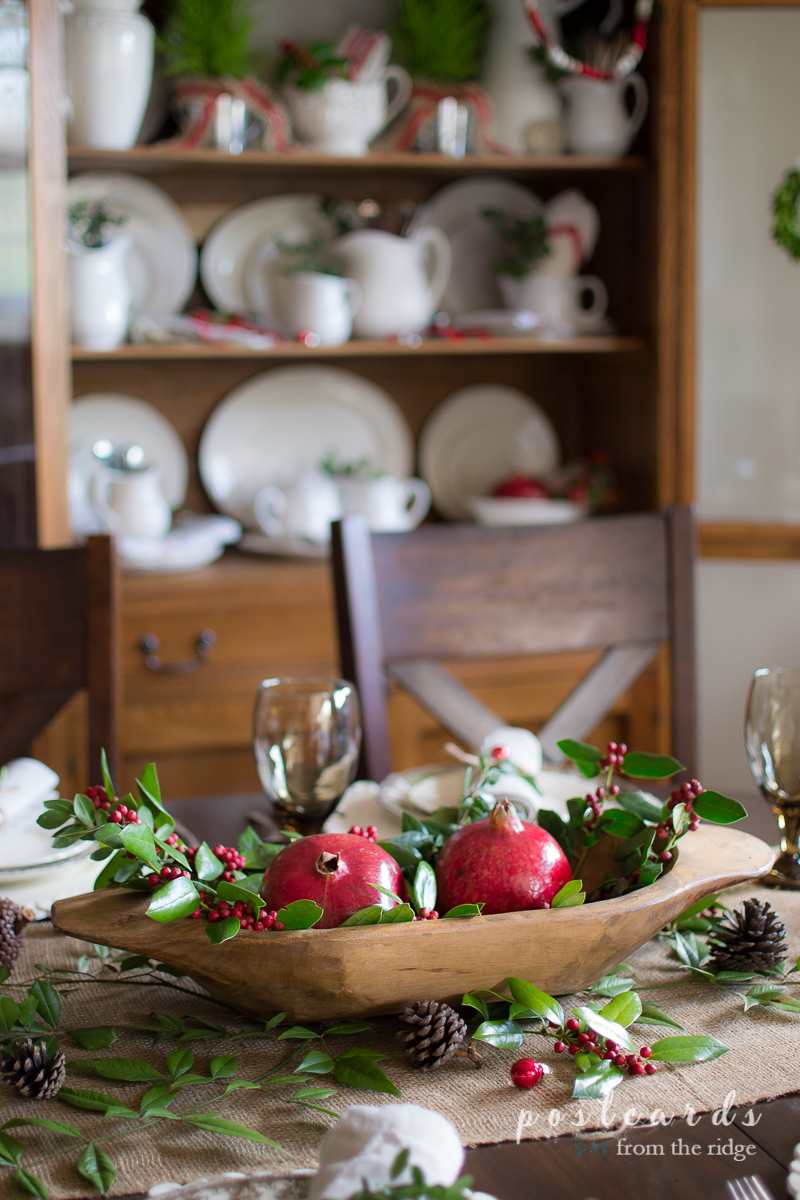 Love this natural, rustic Christmas tablescape.