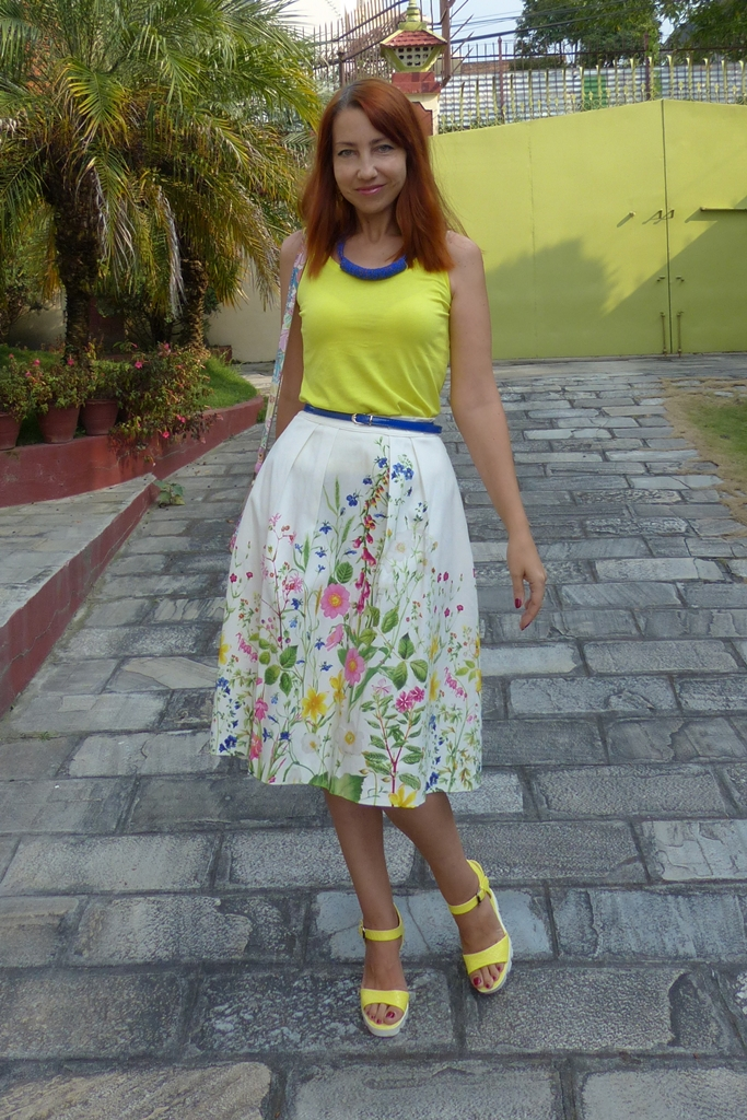 Floral print skirt with yellow top