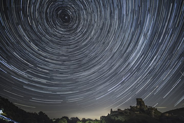 https://www.theguardian.com/media/gallery/2016/aug/12/perseid-meteor-shower-2016-in-pictures
