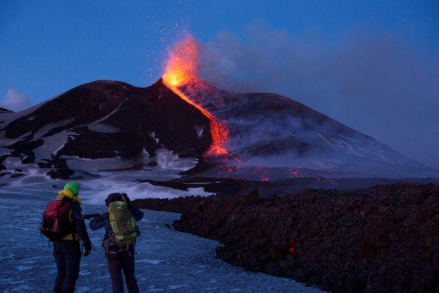 Το ηφαίστειο της Αίτνα «γλιστράει» προς τη θάλασσα του Ιονίου