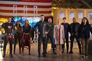 "DC LEGENDS OF TOMORROW 2x08 ""Invasion (4)"""