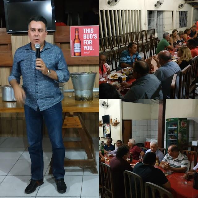 Deputado Federal Ricardo Teobaldo se reúne com amigos e a imprensa Limoeirense.