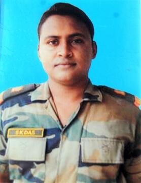 "Major Swagat Kumar Das of 9 SIKH LI, awarded ""Shaurya Chakra"" for anti terrorist operations in Goalpara, Assam"