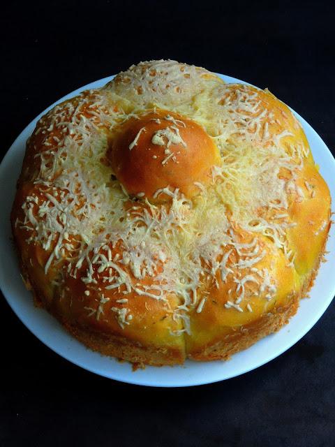 Eggless Cheese Pumpkin Bread