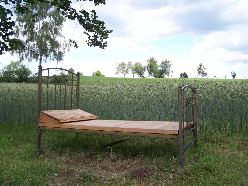 lebenstage waldvierteltage ein bett. Black Bedroom Furniture Sets. Home Design Ideas