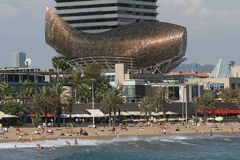 El pez. La escultura está en el Puerto Olímpico de Barcelona y fue hecha por Gehry para los Juegos Olímpicos de 1992