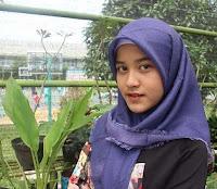 foto ashira zamita agama islam pake kerudung hijab atau jilbab cantik