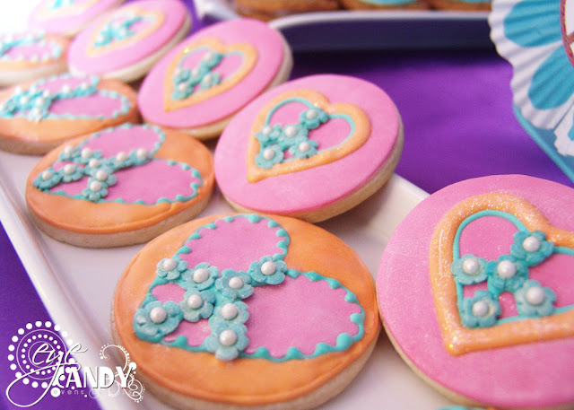 peace party custom cookies, peace signs
