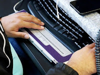 Three Technology Gigures Develop a New Standard of Braille Display