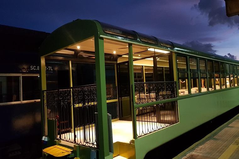 Trem turístico da Serra do Mar partindo de Curitiba inova com varanda panorâmica
