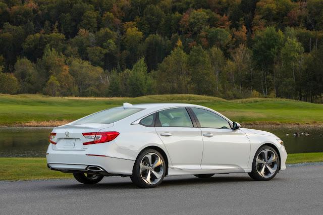"Autotrader Names 2018 Honda Accord a ""Must Test Drive"" Award Winner"