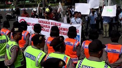 Ratusan Buruh di Jombang DemoTuntut PP 78/2015 Dicabut