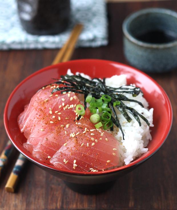 Tuna Sashimi Rice Bowl recipe by SeasonWithSpice.com