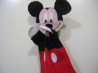 DSC05992 - Centro de mesa, lembrancinha, saquinho de guloseimas, Fantoche Mickey e Minnie em feltro