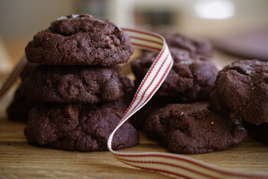 dark chocolate and olive oil cookies