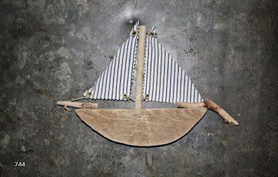 driftwood-madera-de-deriva-744-playa-sietecuatrocuatro-bilbao