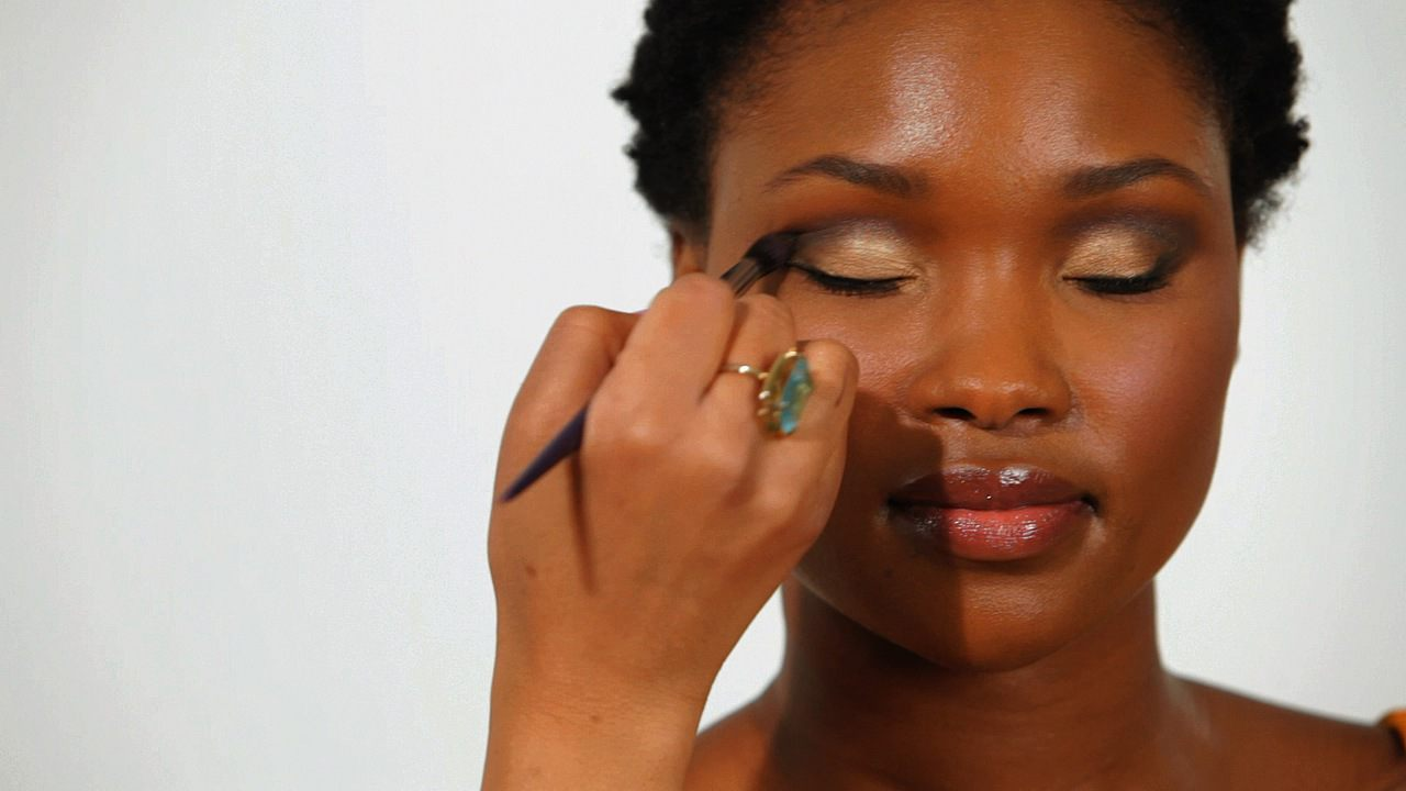Download Makeup Video: How To Apply Eye Makeup For Black Women #fashion  Download Makeup