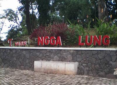 Foto : Tuliasn Taman RANGGAWULUNG jadi T.man ..NGGA..LUNG. Foto dapet nyomot dari medsosnya Niswati SS... Hehehe