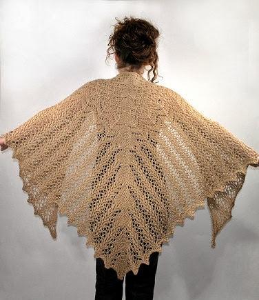 MES FAVORIS TRICOT-CROCHET: Modèle châle au tricot gratuit : Aran weight Victorian lace shawl