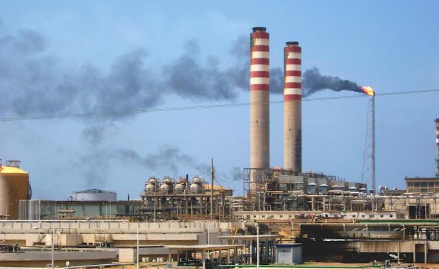 Detenidas por completo las cuatro destiladoras de la Refinería Cardón por falta de Petróleo