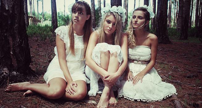 Resultado de imagen para mujeres en el bosque humor