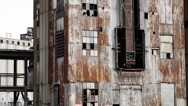 Abandoned grain elevator on the Buffalo River