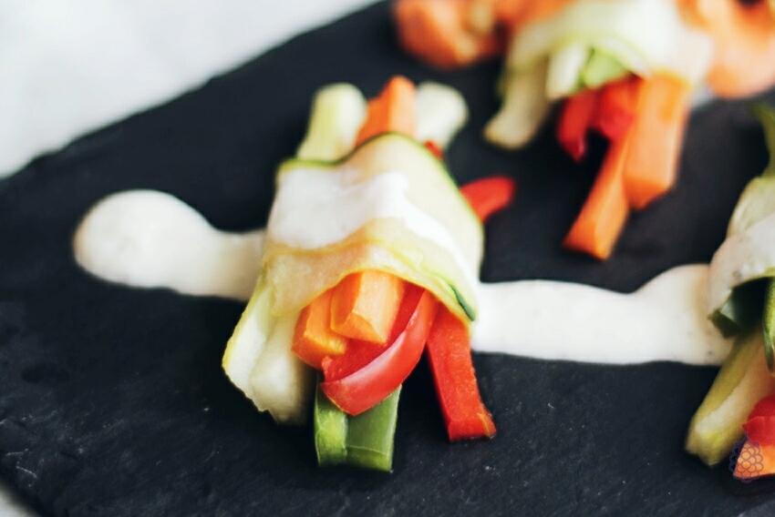 snack saludable verduras crudites salsas