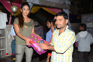 Actress Sri reddy (apthatrust director) Distrubuted Blankets for Orphans at Sai Baba Temple  0037.JPG