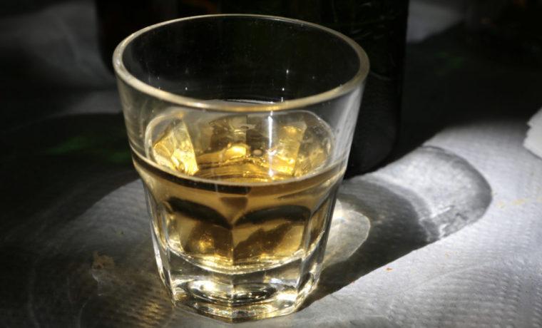 Βόλος: Του βγήκε ξινή η διασκέδαση για το πτυχίο που πήρε – Τα 5 ποτά που θα πληρώσει πολύ ακριβά.