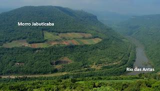 Morro Jabuticaba e Vale do Rio das Antas Vistos do Belvedere do Espigão, Veranópolis