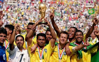 FIFA, World Cup, united states, 1994,  winners, team, champions,  brazil , italy, losers, holds, WC trophy.